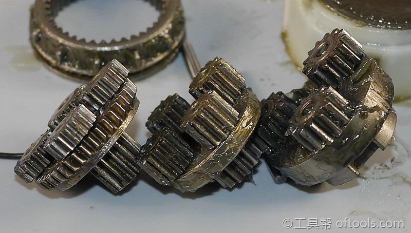 47、大有5230锂电冲击钻三级齿轮对比,逐渐强壮