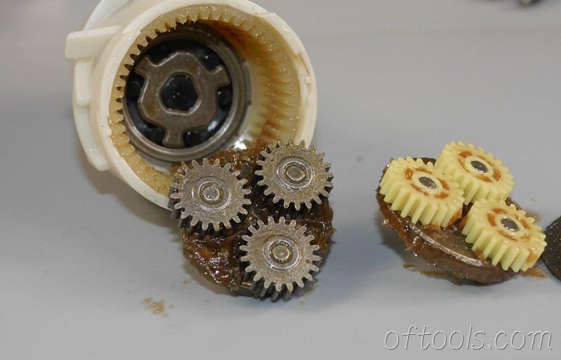 50、博世(BOSCH) GSR BitDrive 左轮起子机第二级减速齿轮特写