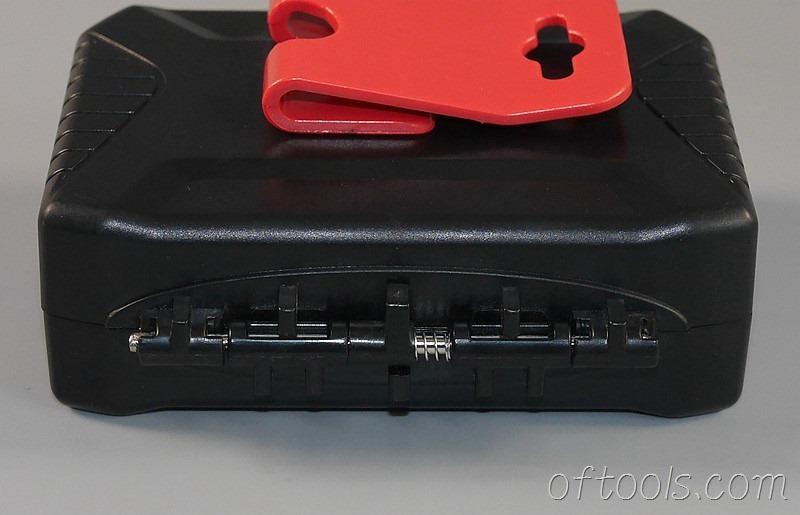 5、弹簧顶着这个滑块可以控制开合角度是否九十度