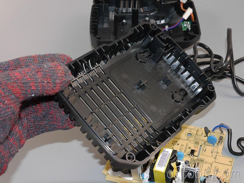 11、大有5401锂电锤充电器5340的底盖