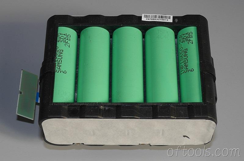 16、翻过可以看到是10节三星电池