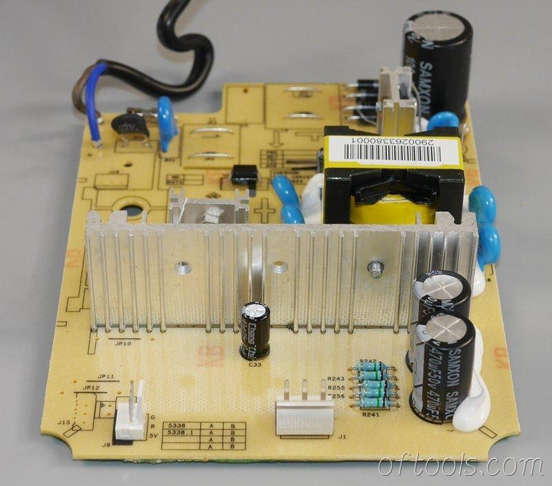 16、大有5401锂电锤充电器5340的电路板特写1