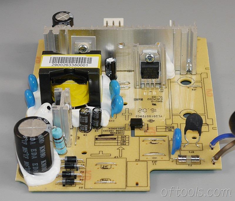 18、大有5401锂电锤充电器5340的电路板特写3