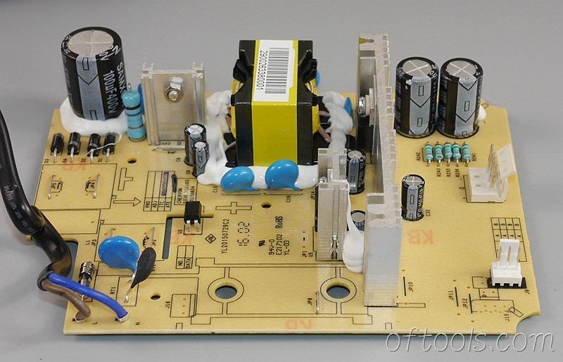 19、大有5401锂电锤充电器5340的电路板特写4