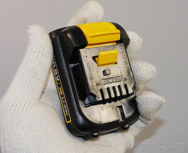 1、得伟(DEWALT)DCB125 10.8V锂电池