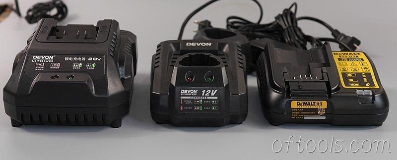 23、20v充电器和12v充电器对比
