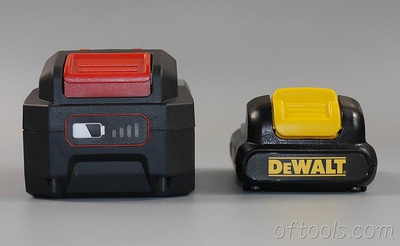 33、大有20V(5150)锂电池体型与得伟10.8V锂电池前脸对比