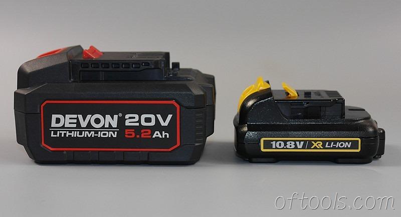 34、大有20V(5150)锂电池体型与得伟10.8V锂电池侧面对比