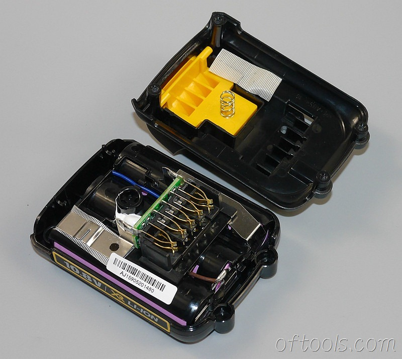 5、得伟(DEWALT)DCB125 10.8V锂电池开壳