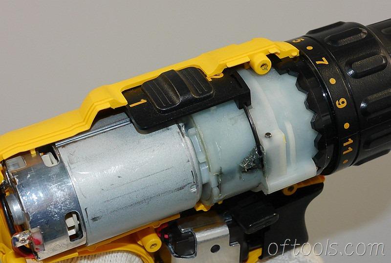 6、得伟(DEWALT)DCD700 锂电钻档位切换