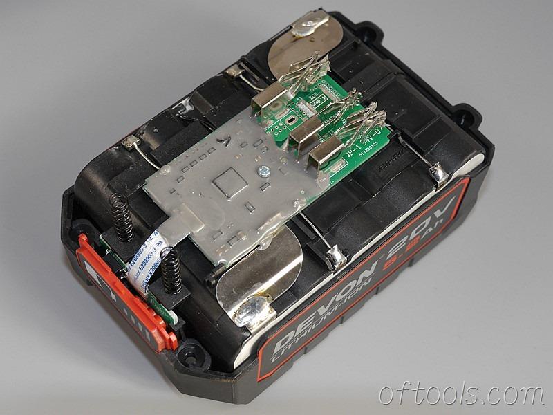 7、大有5150-LI-20-52 20v 5.2Ah电池包胶封的电路板