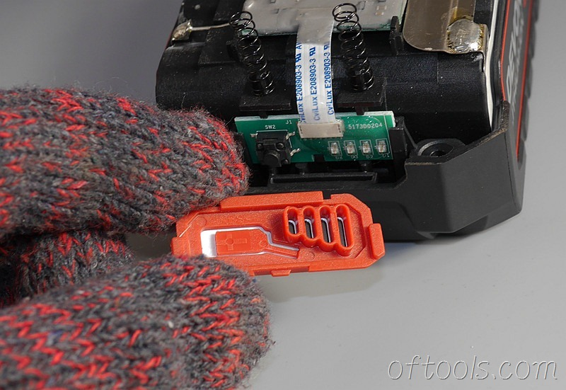 8、大有5150-LI-20-52 20v 5.2Ah电池包电量指示灯开关