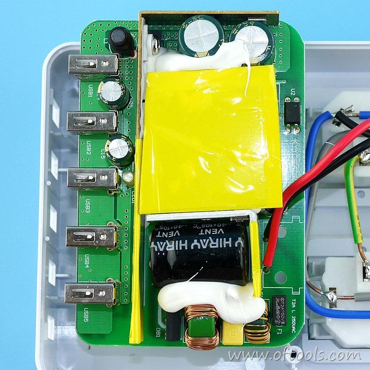 18、ORICO HPC-4A5U 智能插座 5V输出电路