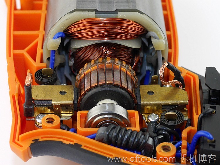 34、WORX WX316.2冲击钻的动力部分特写3