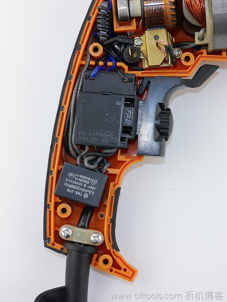 36、WORX WX316.2冲击钻的手柄,控制部分特写