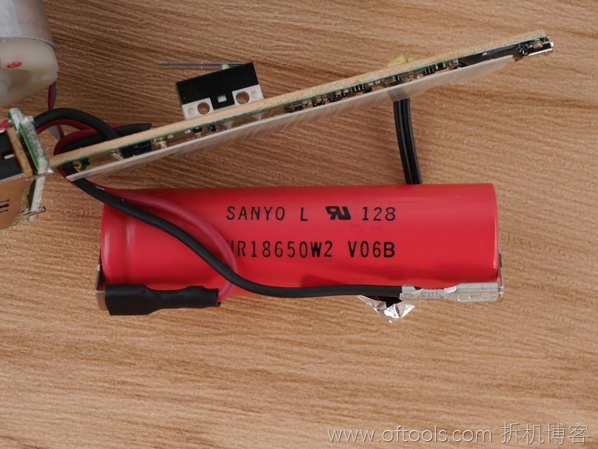 24、博世bosch IXO锂电起子使用三洋动力电池