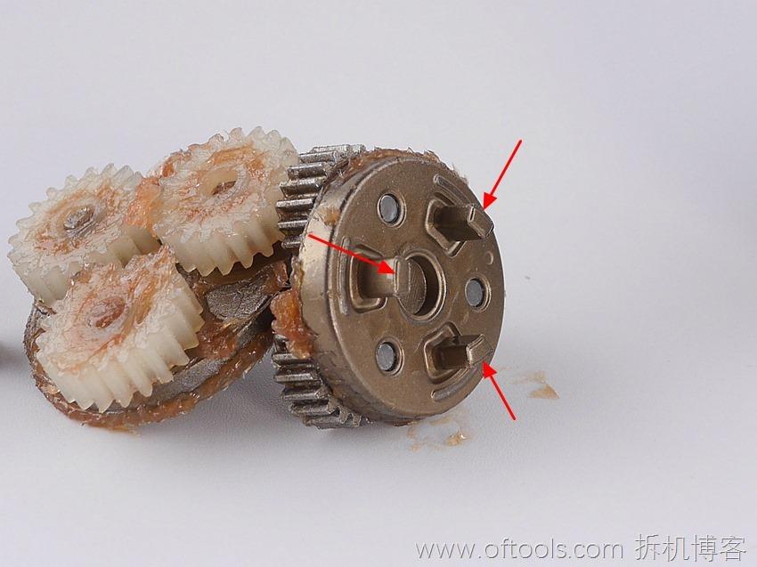 34、博世bosch IXO锂电起子齿轮箱末端为三耳